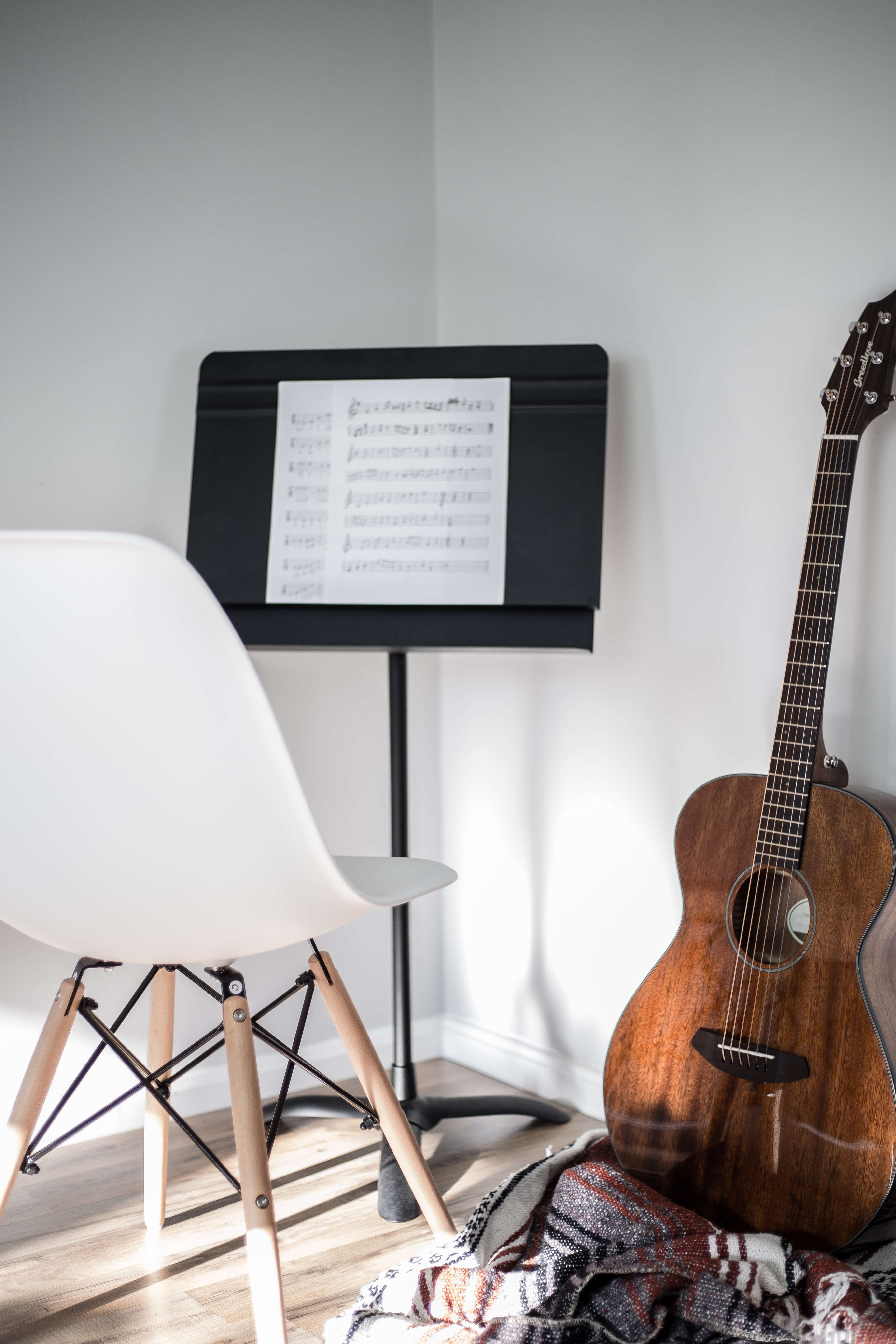 Guitar practice chair - The Practice Space Is Your Temple For Learning Guitar